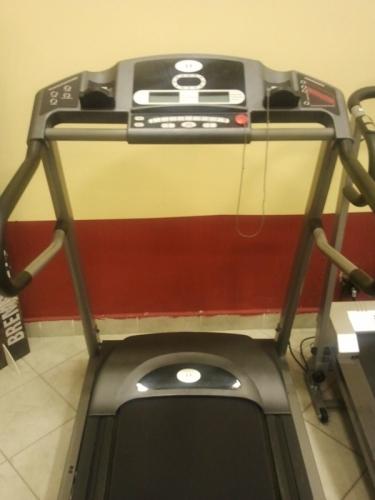 Horizon Fitness Omega II cs használt futópad. PreviousNext. Loading 79b0dda15d